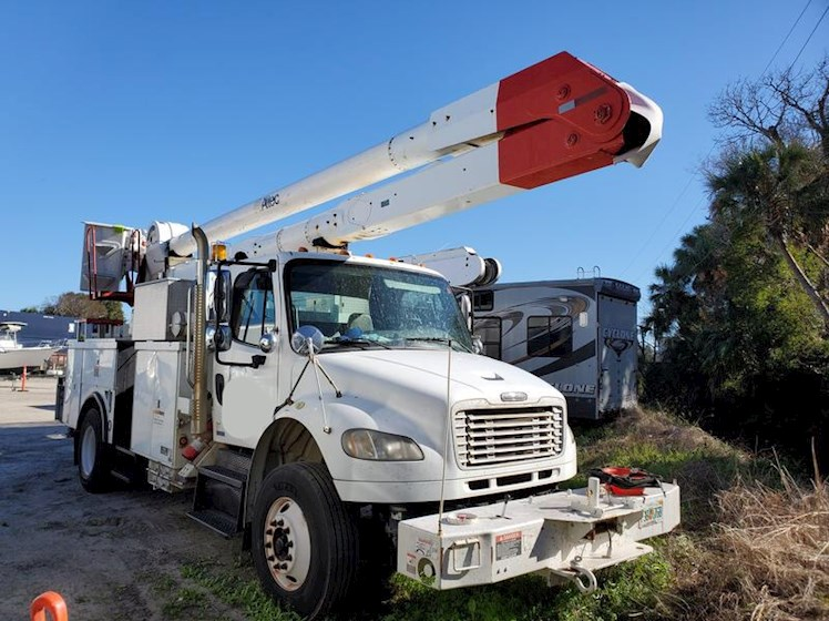 2008 Freightliner M2 with 55' Altec Bucket - Freightliner Other Trucks & Trailers