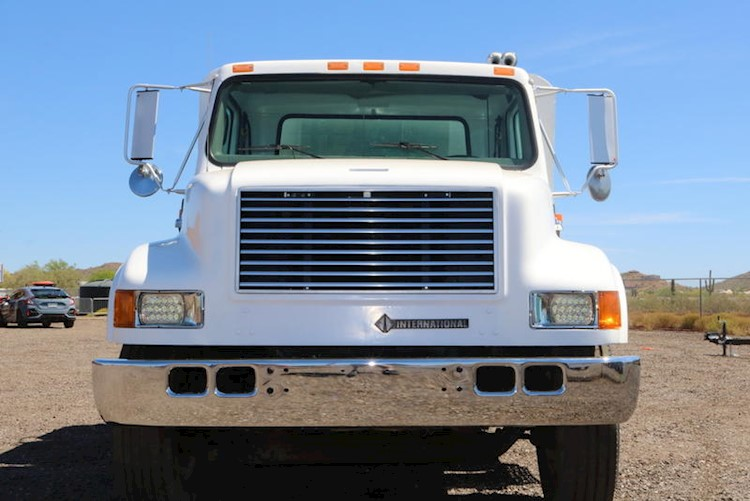 2000 International Navistar 4900 Lube Truck - International Other Trucks & Trailers