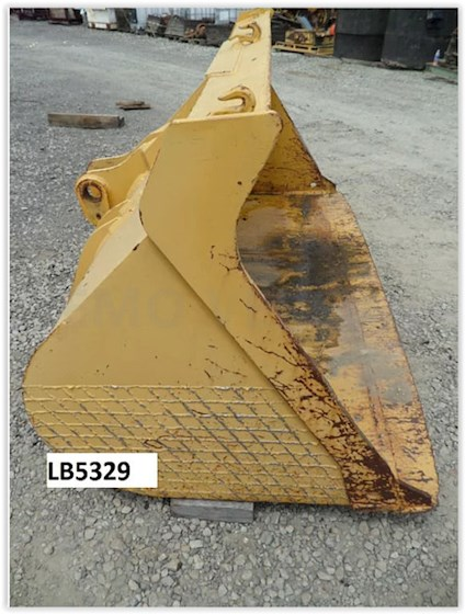 1980 John Deere Purpose Bucket - John Deere Attachments