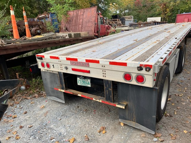 Fontaine 48x102 spread axle flatbed - Fontaine Trailers