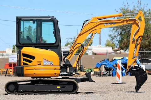 IHI 2020 KATO HD35V-4 Mini Excavator with CAB - IHI Excavators