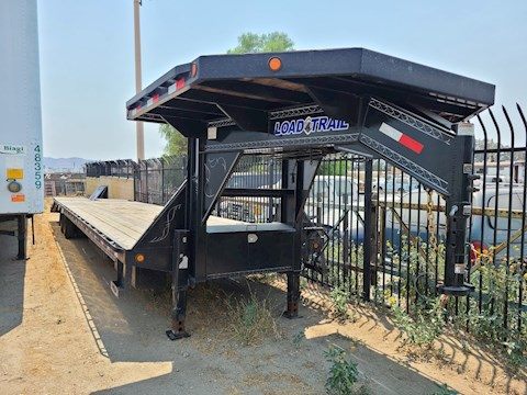 2017 Etnyre 55 Ton Tri-Axle with Flip Axle - Load Trail Trailers