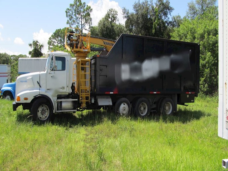 2001 WESTERN STAR 5800 triple axle grapple truck - WESTERN STAR Dump Trucks