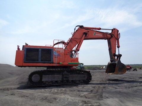 Hitachi Excavators at Machine Barn