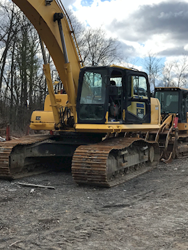 Komatsu Excavators at Machine Barn