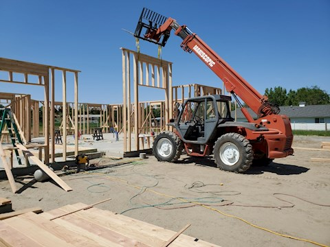 Manitowoc Forklifts at Montana Forklift and Equipment, LLC