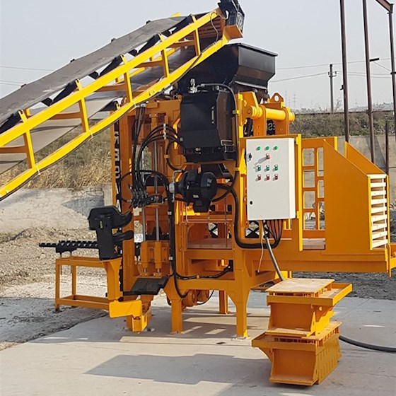 2007 Bess Concrete Block Machine PRS400 - Bess Concrete Block Machine Concrete Mixers