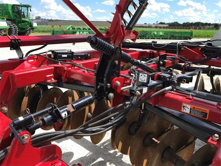 2010 CASE IH 340 - CASE IH Disc, Tine & Tillage