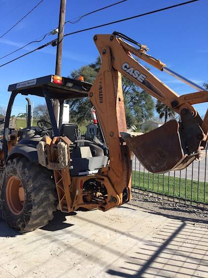 2010 CASE 580M - CASE Loader Backhoes