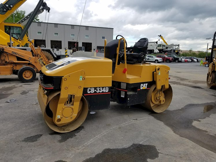 2002 Caterpillar CB-334D - Caterpillar Compactors