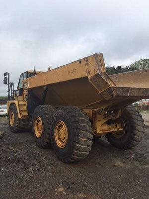 2012 Caterpillar 725 - Caterpillar Dump Trucks