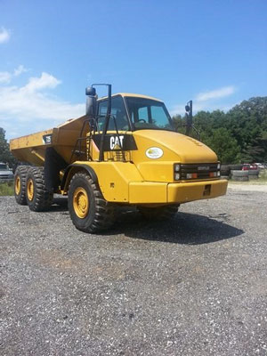 2011 Caterpillar 725 - Caterpillar Dump Trucks