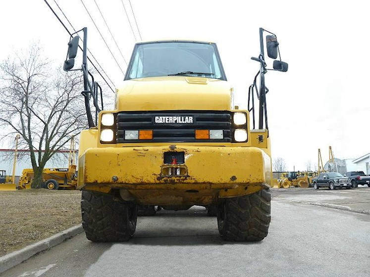 2011 Caterpillar 730 - Caterpillar Dump Trucks