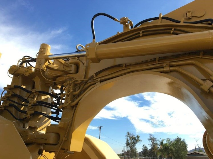 1990 Caterpillar 637E - Caterpillar Graders & Scrapers
