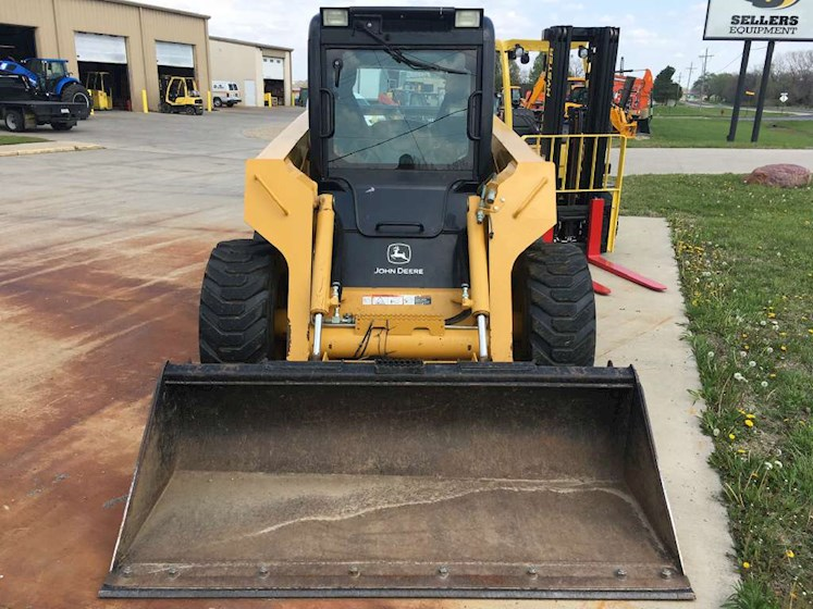 2006 DEERE 328 - DEERE Loaders