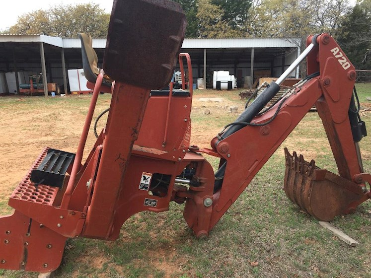 2002 Ditch Witch A720 - Ditch Witch Loader Backhoes