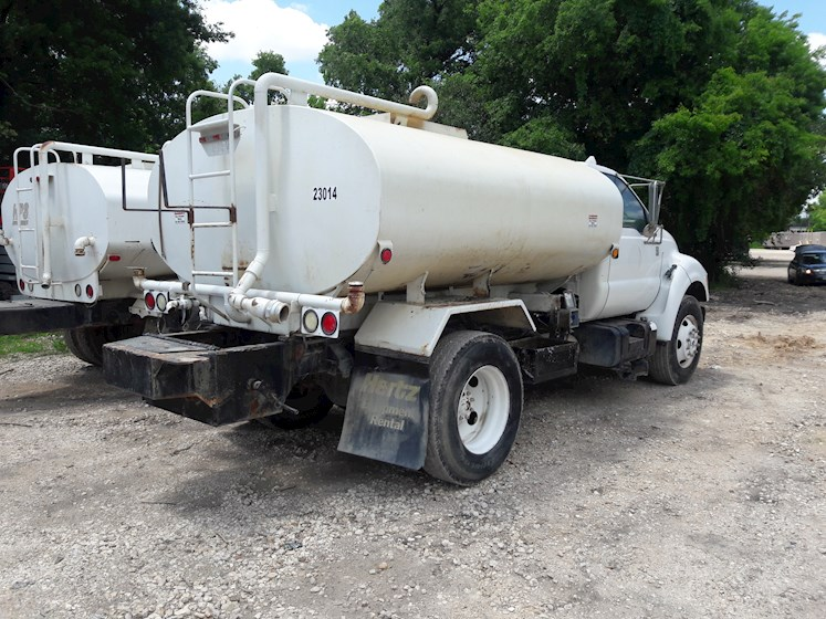 2001 Ford F750 - Ford Water Trucks