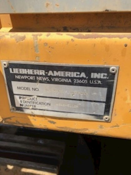 2000 Liebherr 934 with 3000 Shear - Liebherr Excavators