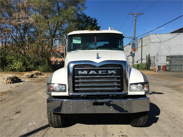 2017 Mack GRANITE GU713 - Mack Cab Chassis Trucks