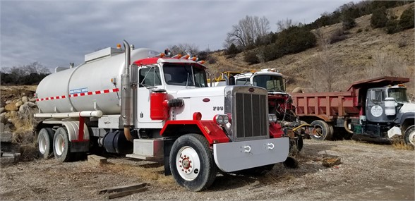 Peterbilt 353S - Peterbilt Water Trucks