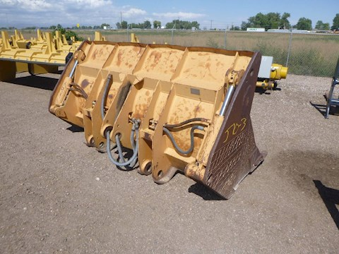 CASE 103in Hydraulic Wheel Loader Bucket (2662) - CASE Loaders