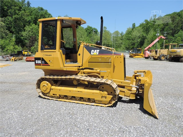 Caterpillar D3G XL - Caterpillar Bulldozers