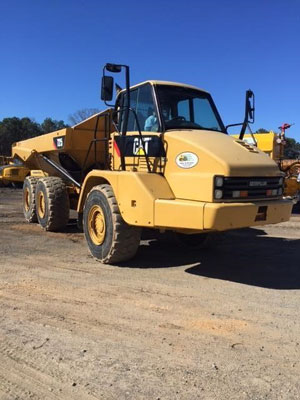 2013 Caterpillar 725 - Caterpillar Dump Trucks