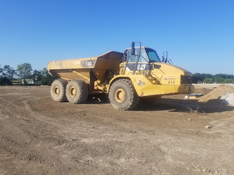 2010 Caterpillar 740 - Caterpillar Dump Trucks