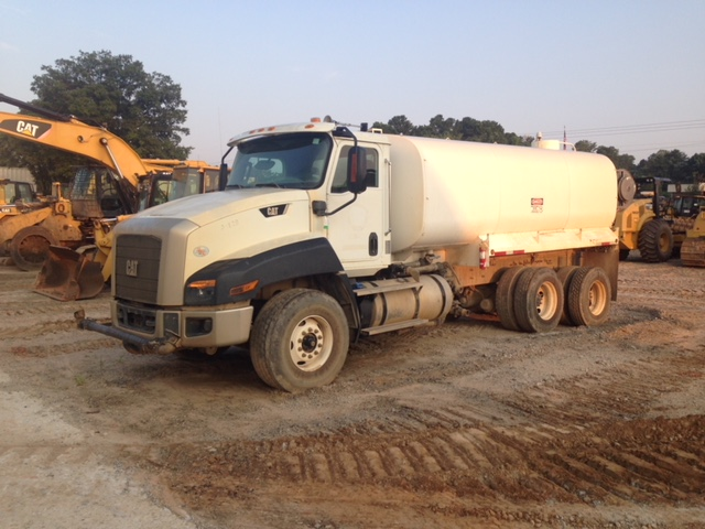 Caterpillar CT660 - Caterpillar Water Trucks