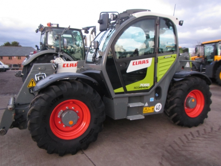 CLAAS Claas Scorpion 7055 - CLAAS Loaders