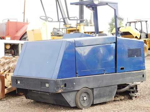 Clark 7200 - Clark Sweepers & Broom Equipment