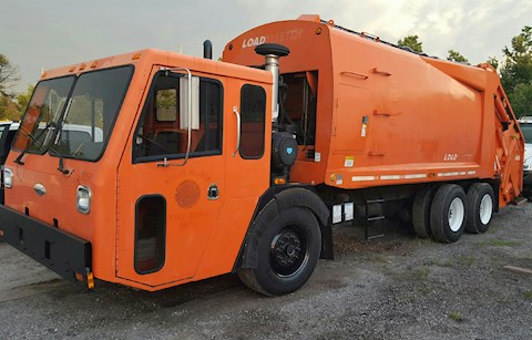 2004 Crane Carrier EZ Pack Rear Loading - Crane Carrier Garbage Trucks