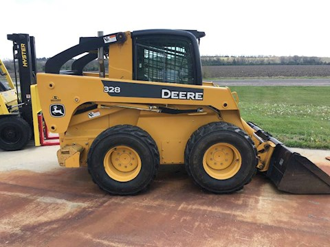 DEERE 328 - DEERE Loaders