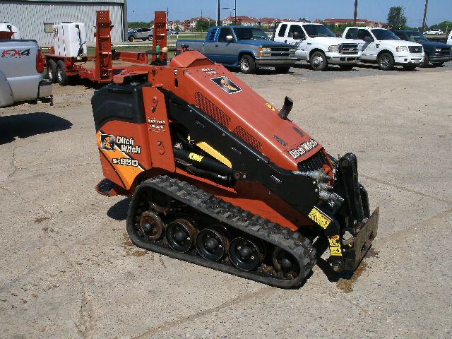 Ditch Witch SK850 - Ditch Witch Skid Steers