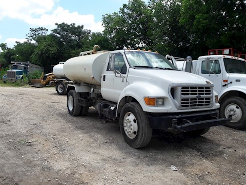 Ford F750 - Ford Water Trucks