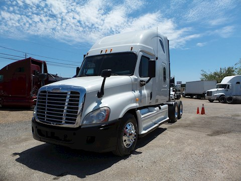 Freightliner Freight Trucks at Machinery Marketplace