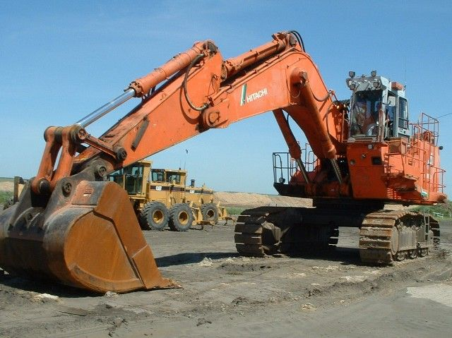 Hitachi EX1100-3 - Hitachi Excavators