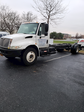 2005 International 4300 - International Cab Chassis Trucks