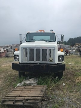 1998 International F2674 - International Cab Chassis Trucks