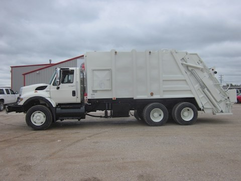 International 7400 - International Garbage Trucks