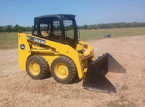 John Deere Loaders at Machinery Marketplace
