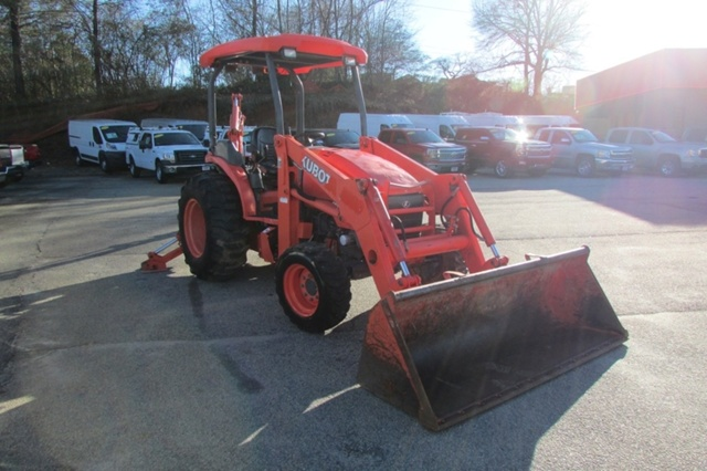 2009 Kubota M59 - Kubota Loader Backhoes
