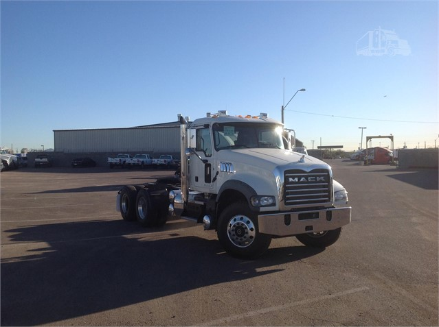 2016 Mack GRANITE GU713 - Mack Cab Chassis Trucks