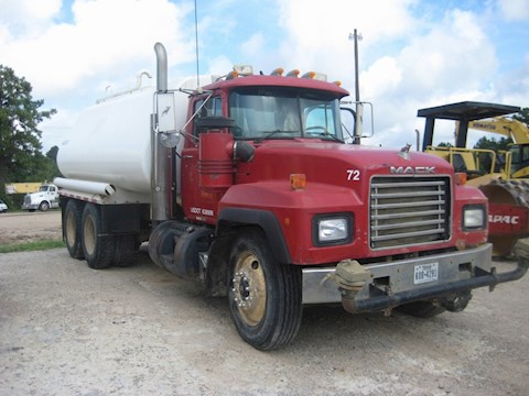 2001 Mack RD688S 4000 Gallon - Mack Water Trucks