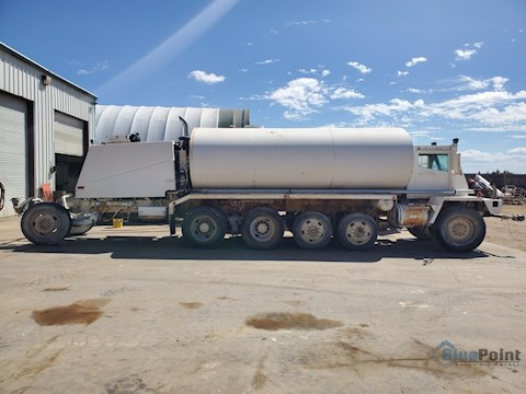 OshKosh 4K Gallon Water Truck w/Berkley  Hydraulic Water Pump (2626) - OshKosh Water Trucks