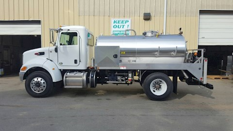 Peterbilt 337 - Peterbilt Water Trucks