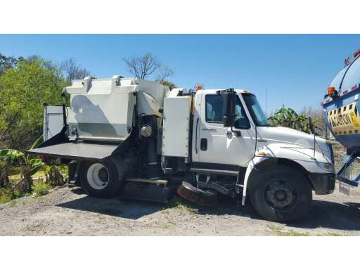 2009 Tymco 500X - Tymco Sweepers & Broom Equipment