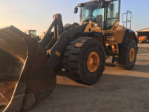 2012 Volvo L220G - Volvo Loaders