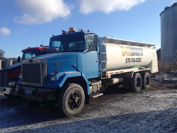 1989 Volvo F613 - Volvo Water Trucks