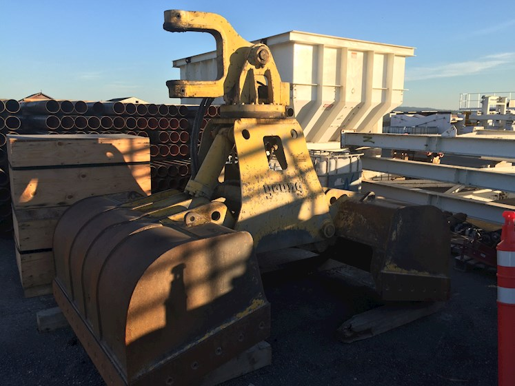 Other 2.5yd Hydraulic Clam Shell - Other Attachments